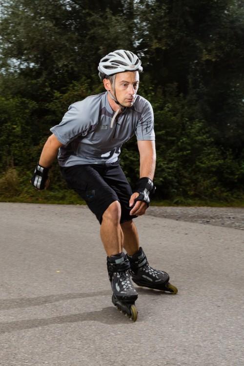 b9f85ec8435 Mit Inliner Kurvenfahren und Rückwärtsfahren - Die Seite für Skater
